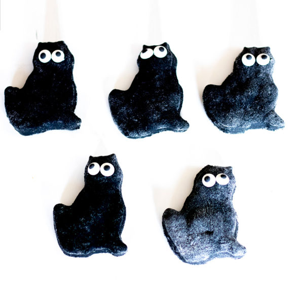 Charcoal-Cat-Cookies Dog Treats